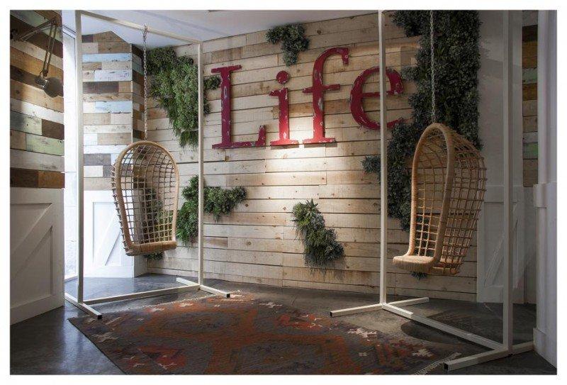 El diseño del hotel Life Madrid combina materiales como la madera y el hierro.
