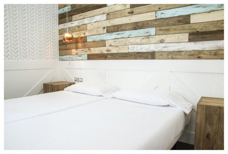 El hotel consta de 20 habitaciones de cuatro categorías, incluyendo una cuádruple o familiar.
