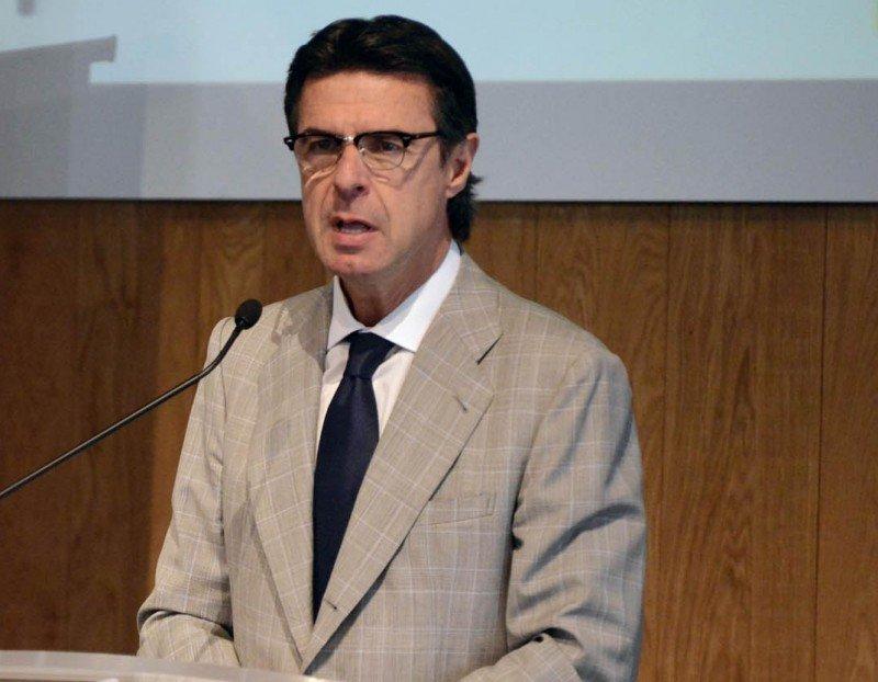 El ministro Soria mantendrá reuniones bilaterales con los empresarios hoteleros para explicarles las intenciones del Gobierno.