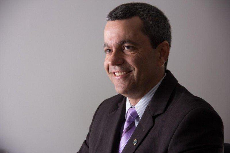 Vicente Neto.