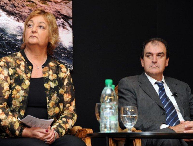 Ministra de Turismo, Liliam Kechichián, e intendente de Maldonado, Óscar de los Santos
