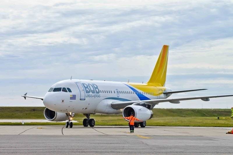 El nuevo avión de la compañía tiene capacidad para 144 pasajeros.