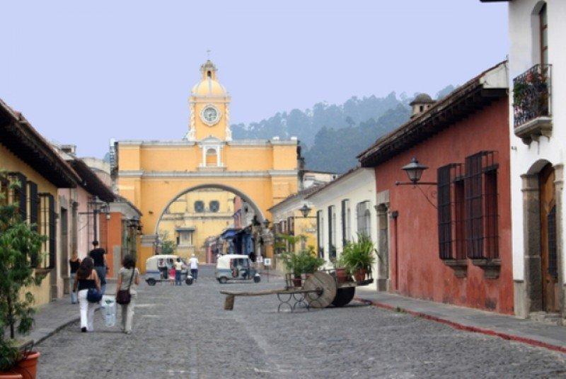 La ciudad de Antigua y la capital, Guatemala, son elegidas para realizar numerosos congresos y reuniones. #shu#