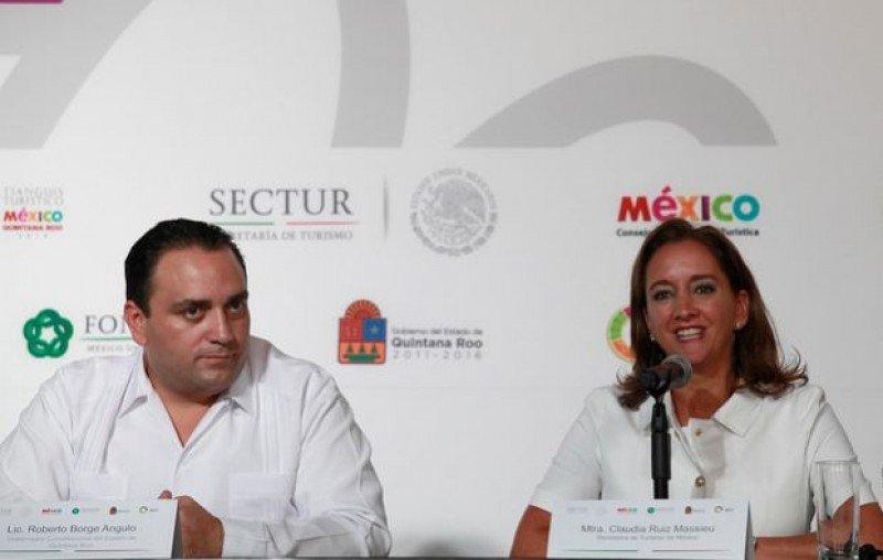Roberto Borge Angulo y Claudia Ruiz Massieu en el cierre de Tianguis Turístico 2014. (Foto: Secretaría de Turismo).