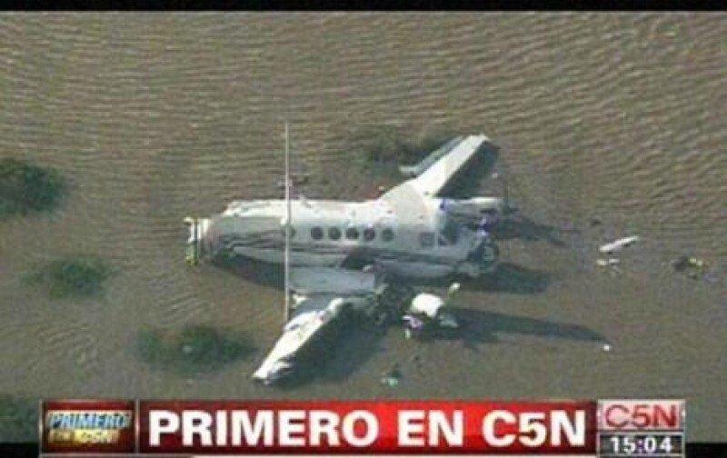 El avión accidentado en imágenes del canal de TV argentino C5N.