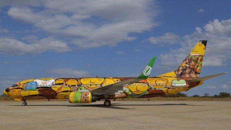 'Os Gemeos' cumplieron un sueño: el de llevar su arte a las nubes. Foto: FIFA