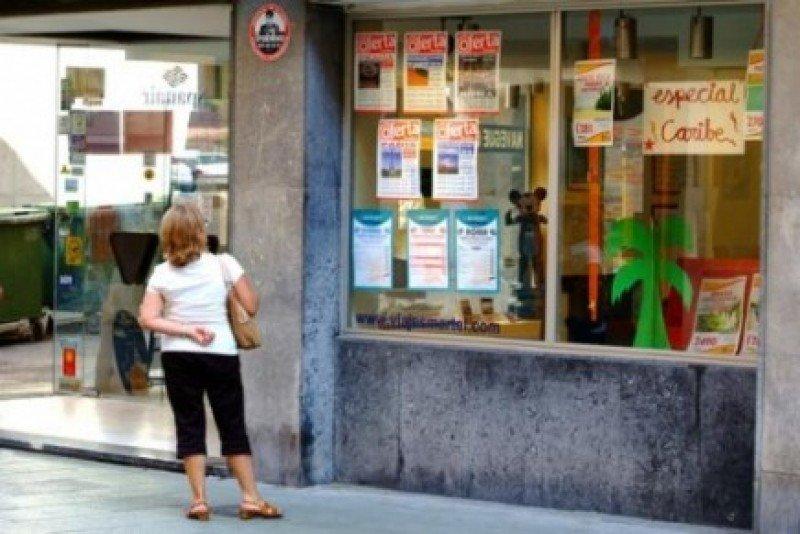 Canarias tramitará las aperturas y cierres de agencias exclusivamente de modo electrónico