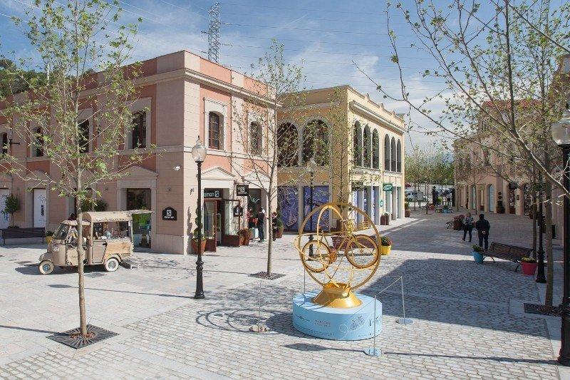 Imagen de los nuevos espacios abiertos en La Roca Village.