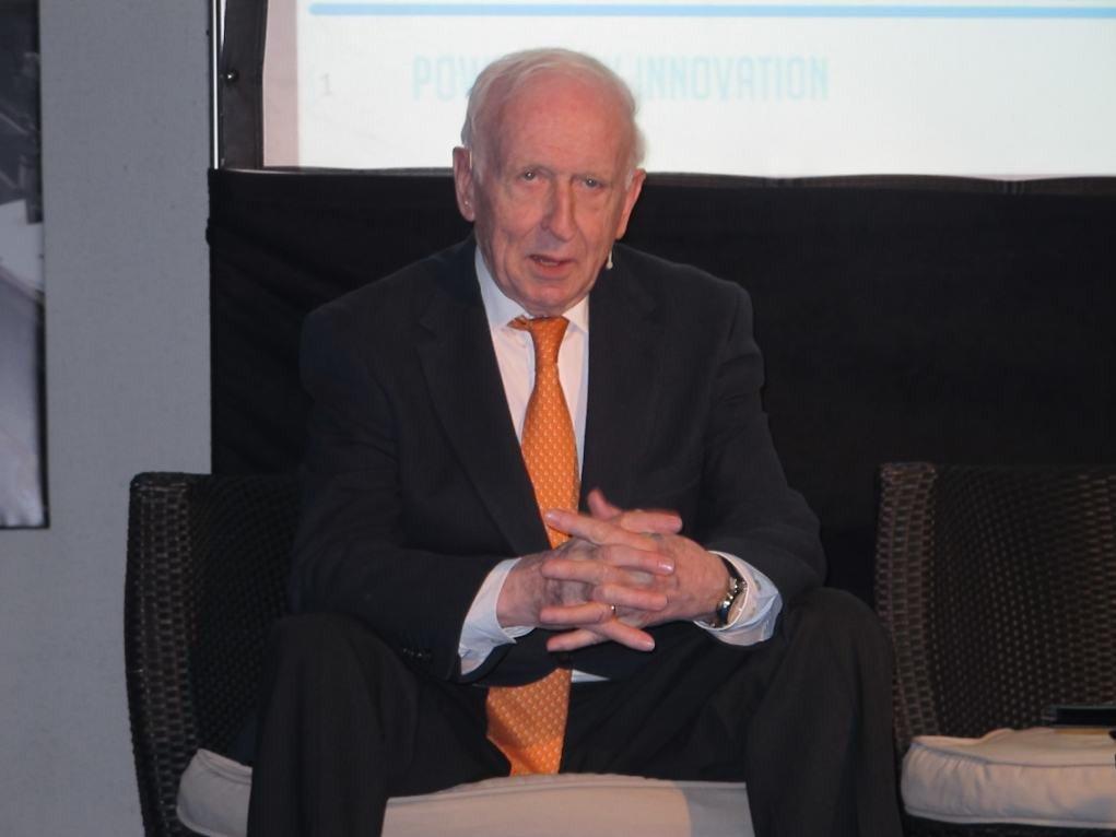 Leopoldo Abadía, economista.