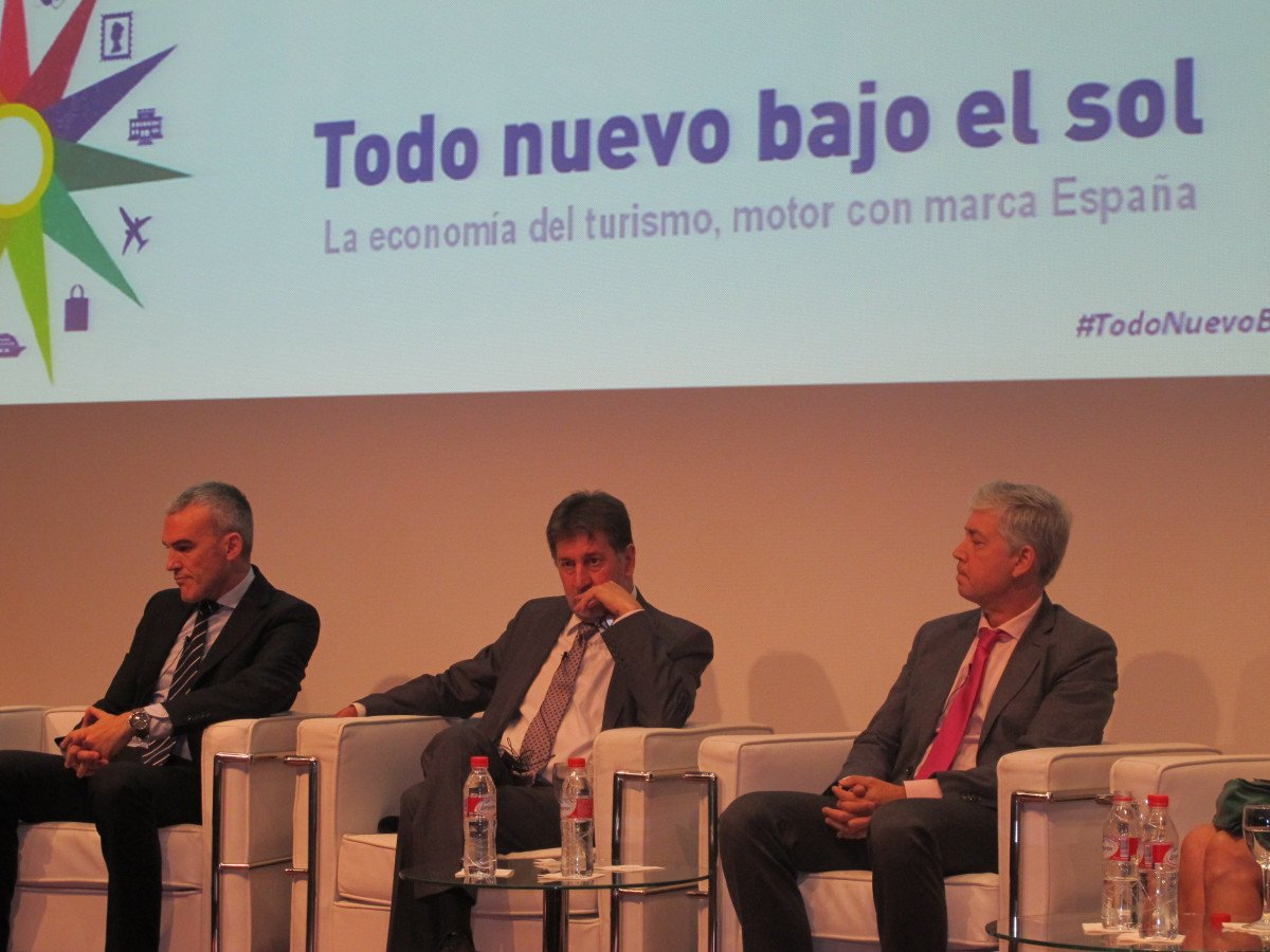 Amancio López participó ayer en Madrid en un debate sobre turismo.