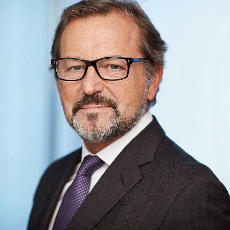 Richard Vogel.