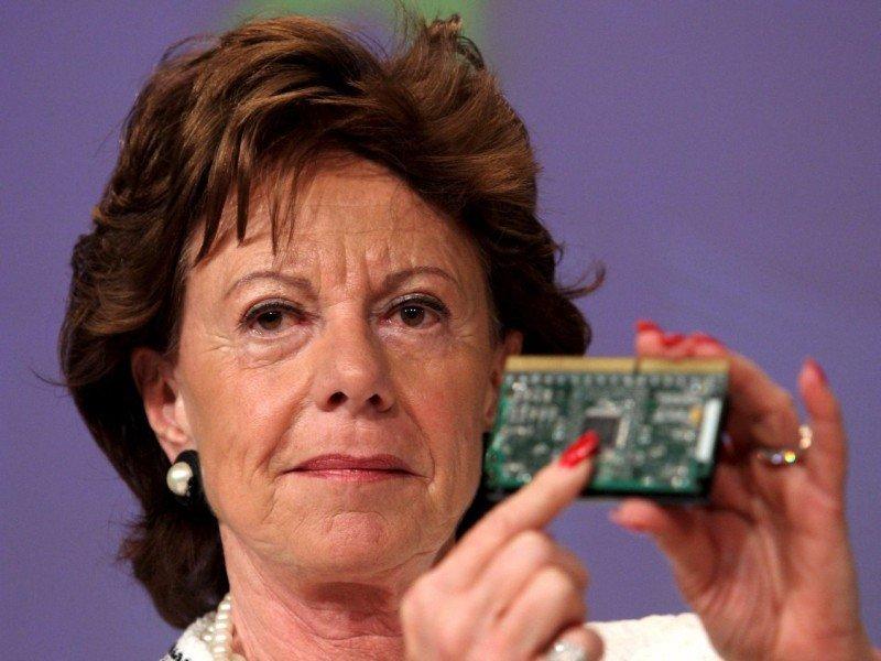 La vicepresidenta de la Comisión y responsable de la Agenda Digital, Neelie Kroes, defiende la innovación y el desarrollo de nuevas tecnologías.