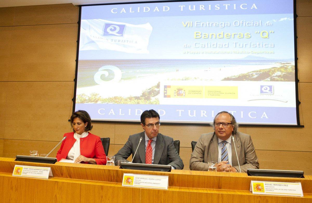 Isabel Borrego, José Manuel Soria y Miguel Mirones.