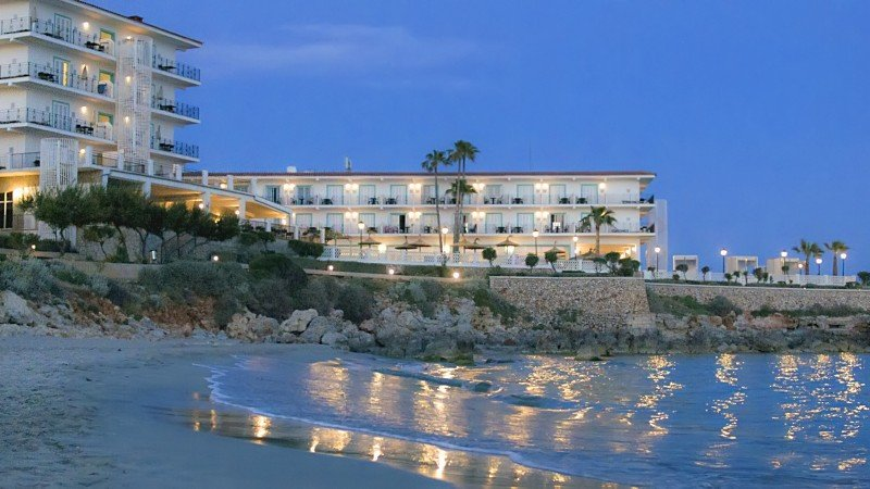 Sol Beach House Menorca.