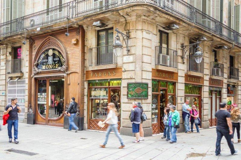 Tiendas en el centro de Barcelona. #shu#