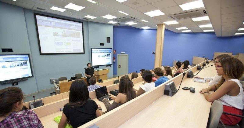 Una clase en la Universidad de Deusto.
