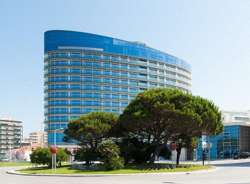 La estructura del Eurostars Oasis Plaza es una de las más modernas de Portugal por su silueta elíptica.