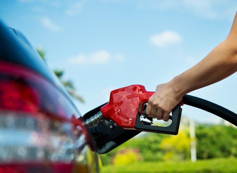 El precio de la gasolina se ha situado en 1,448 euros de media. #shu#