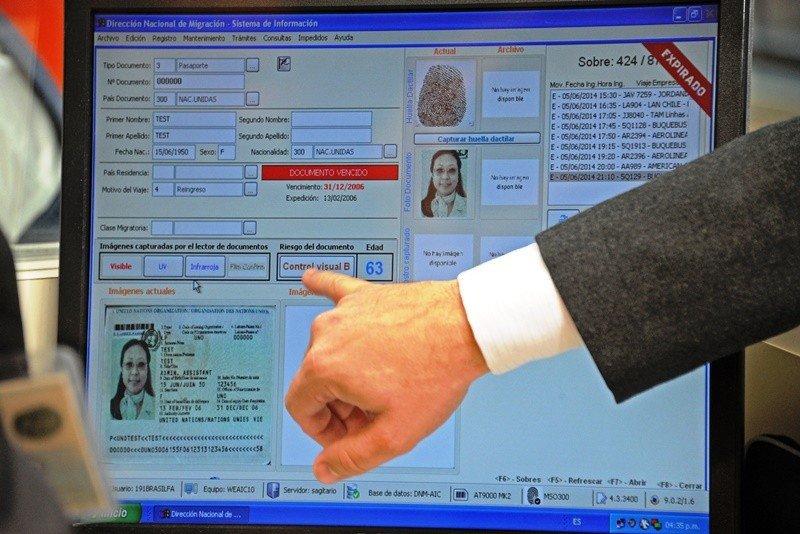 El sistema reconoce pasaportes, documentos de identidad del Mercosur y huellas digitales.