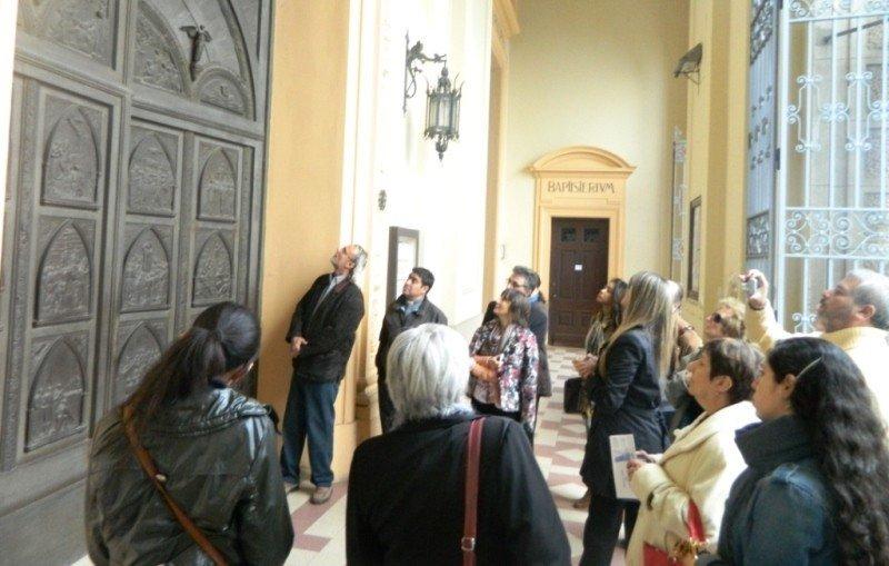 Participantes de las jornadas en la Catedral de Florida.