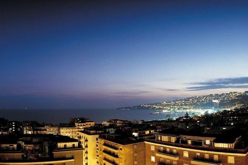 Hotusa se estrena en Nápoles con el Hotel Majestic