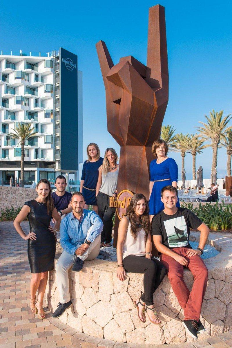 Con la llegada de Hard Rock Hotel Ibiza han ampliado el equipo, integrado por siete personas, uno para cada marca.