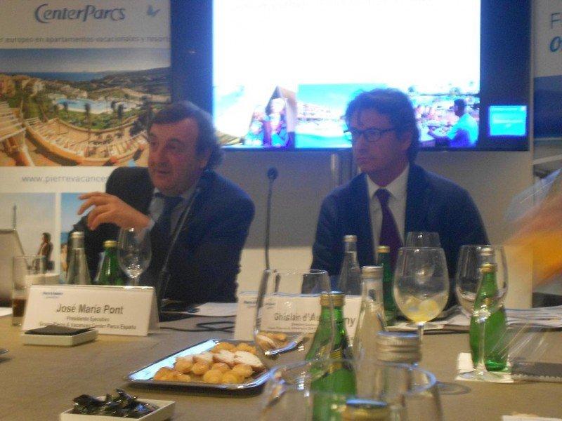 De izq. a dcha, José María Pont, presidente ejecutivo de Pierre et Vacances; y Ghislain d'Auvigny, director general para España.
