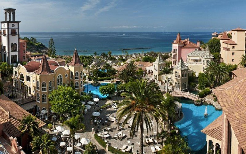 El Gran Hotel Bahía del Duque ha afianzado en estos últimos años su posicionamiento online.