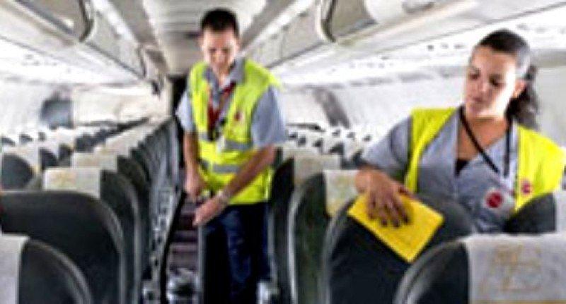 Iberia elimina la limpieza de sus aviones de corto y medio radio, denuncia Stavla