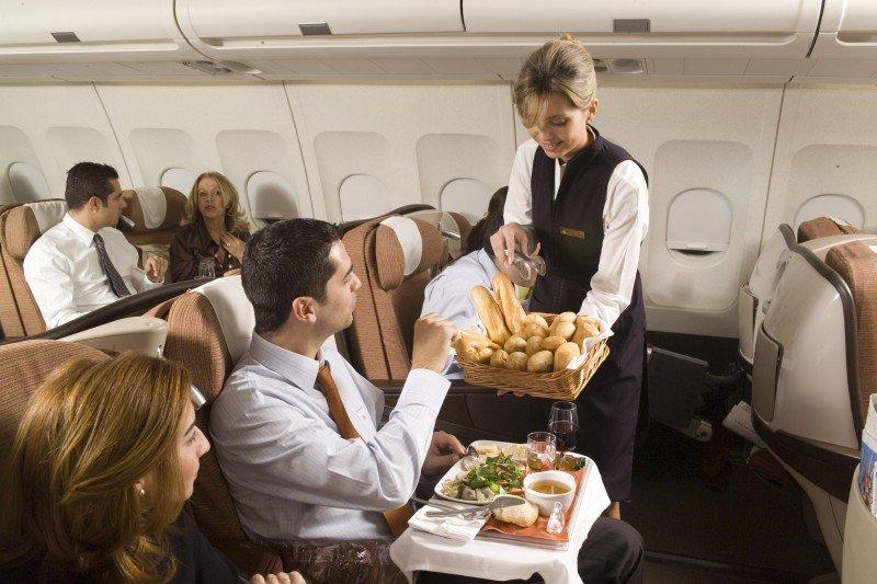 Iberia mantiene la limpieza diaria de sus aviones y en escalas de medio radio