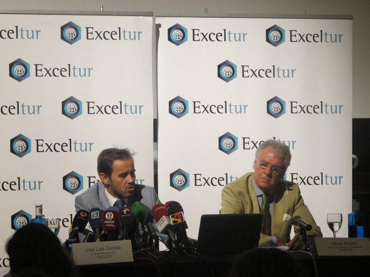 Oscar Perelli y José Luis Zoreda presentan el balance turístico del segundo trimestre.
