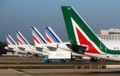 La aerolínea pretende reducir en 31 millones de euros los costes laborales.