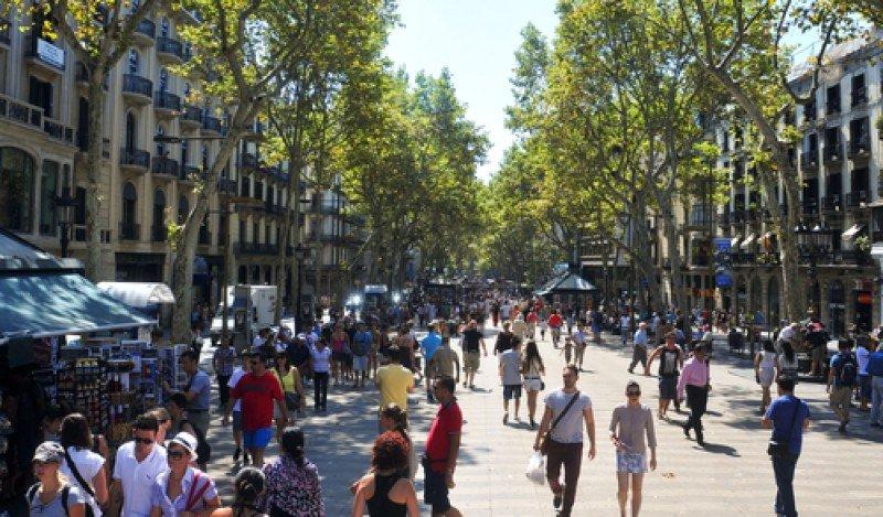 Las Ramblas constituyen uno de las principales áreas de concentración de turistas en Barcelona. #shu#