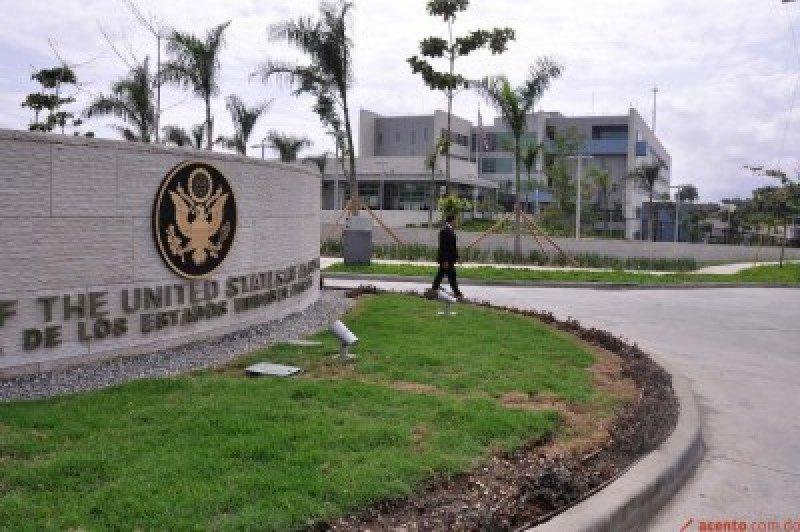 Estados Unidos suspende la emisión de visados en todo el mundo