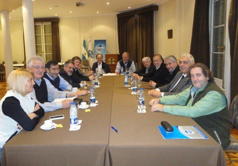 Reunión realizada en la sede de FEHGRA.