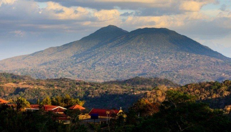 La ruta de los volcanes es uno de los principales atractivos para los extranjeros en Nicaragua. #shu#