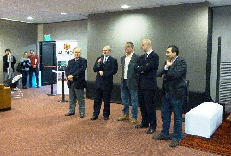 Autoridades en la inauguración de Expo Hotel.