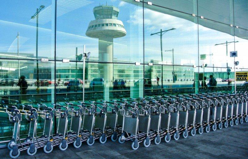 La vigilancia se ha efectuado en el Aeropuerto de El Prat. #shu#.