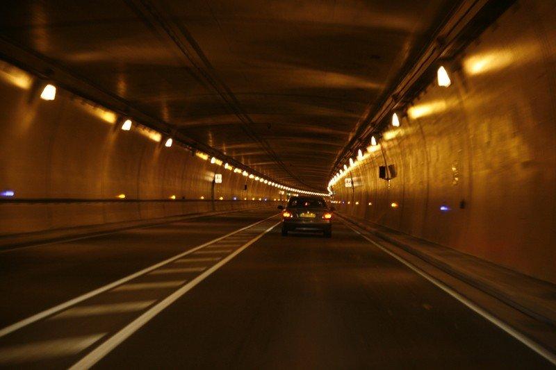 Interior del Túnel del Somport. Foto: FDV / Wikipedia.