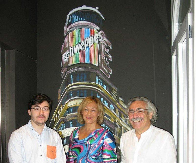 Ana Isabel Mariño, consejera de Empleo, Turismo y Cultura de la Comunidad de Madrid, en su visita al hostel Room007 Chueca.