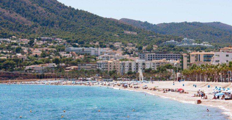 Playa del Albir entre Altea y Alfaz del Pi, Alicante. #shu#