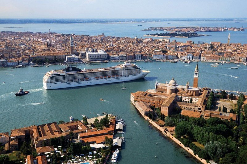 Venecia trabaja en una vía alternativa para los grandes cruceros
