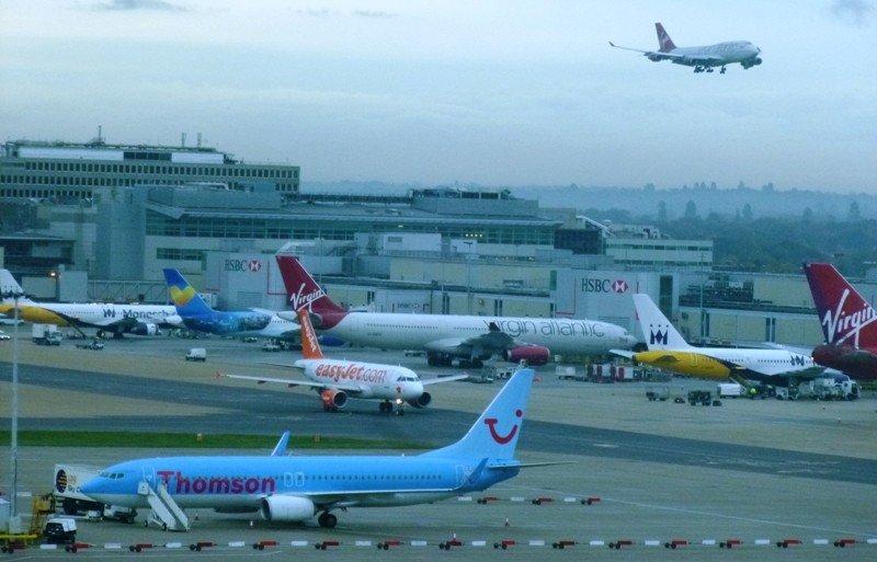 Aviones en el aeropuerto de Gatwick, Londres, uno de los principales puntos de salida de los turistas británicos.