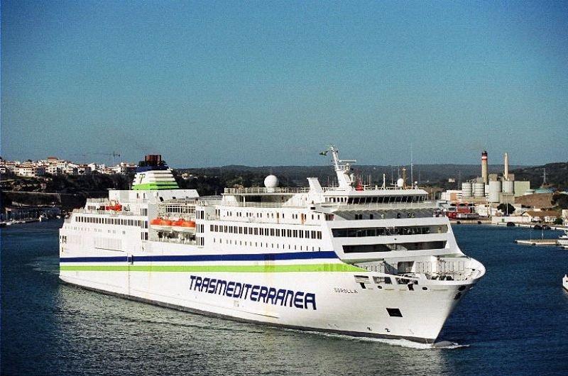 Trasmediterránea lanza un servicio combinado de bus y barco
