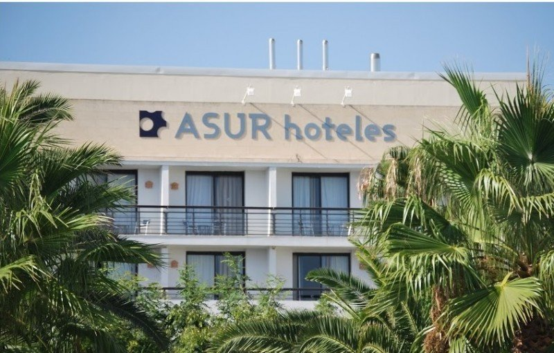 Asur Hoteles defiende que es falso que adeude varias nóminas