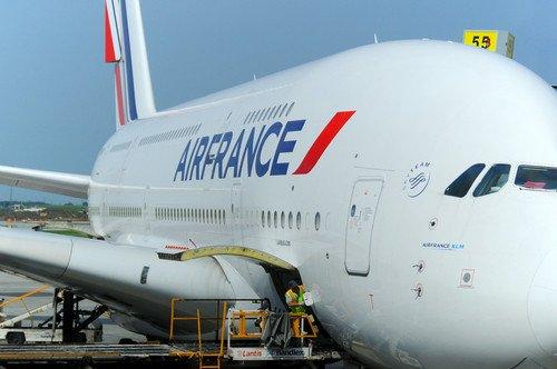La aerolínea prevé transferir pilotos a sus filiales de bajo coste. #shu#