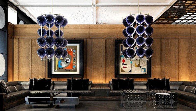 En el lobby destacan las lámparas, auténticas obras de arte.