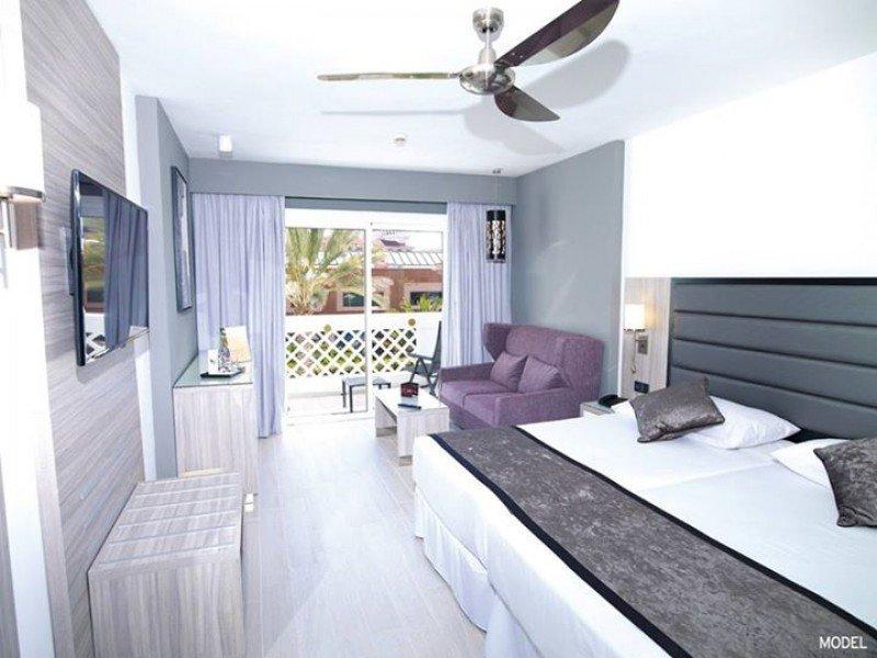 Sus 449 habitaciones han sido totalmente renovadas con mobiliario actual y modernos servicios.