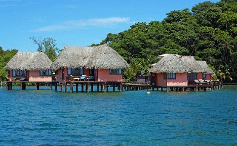 Eco-resort en Bocas del Toro, sobre el Caribe panameño. #shu#