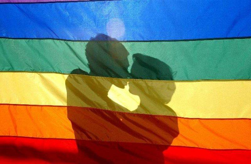 El 20% de las personas del segmento LGBT de Colombia vive en pareja.
